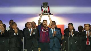 FÚTBOL - Supercopa de España masculina 2018: El Barça vuelve a ganar un título nacional con Messi estrenando capitanía