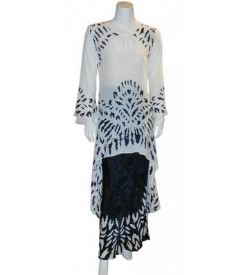 Model baju kurung orang gemuk motif batik