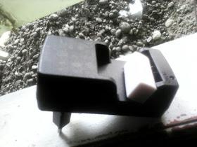Lampu Charger Kamera Fujifilm Berkedip? Bisa Jadi Karena Kotor