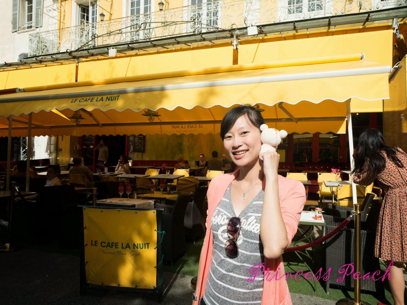 梵谷咖啡館-Cafe-Van-Gogh