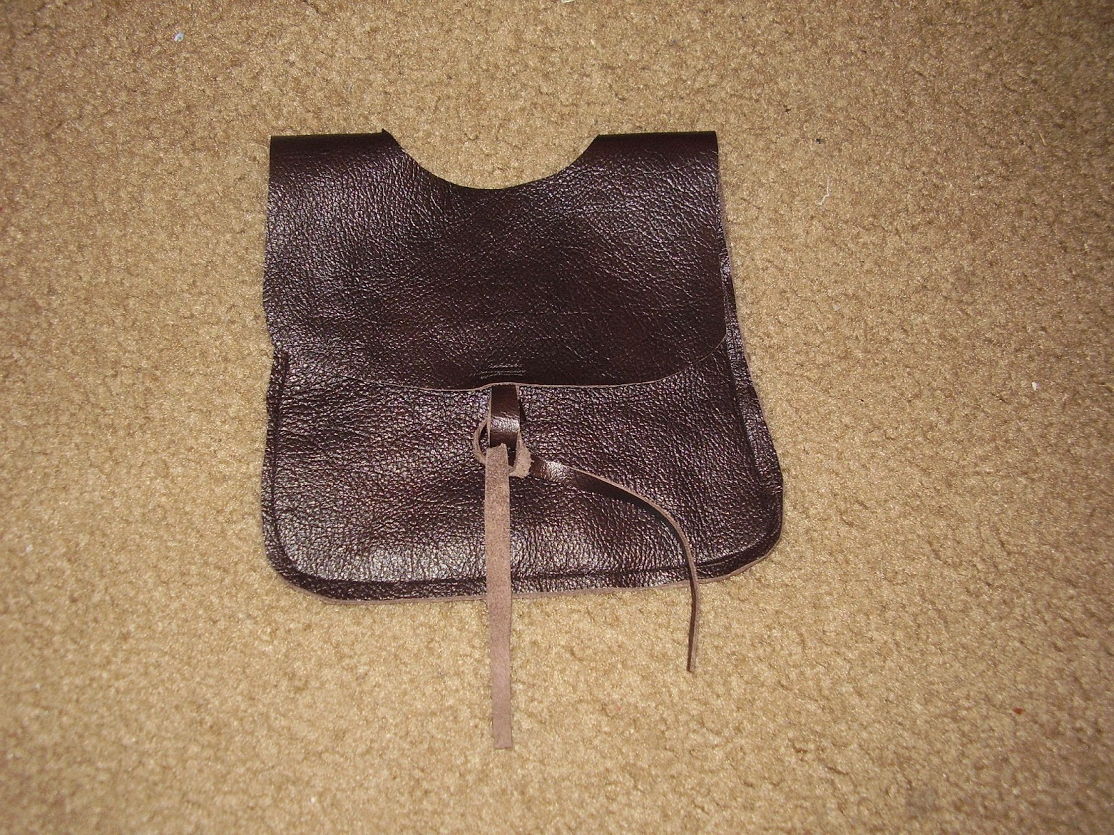 Finished medieval belt pouch, closed.