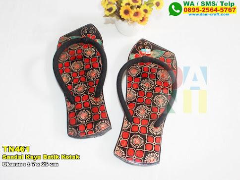 Sandal Kayu Batik Kotak
