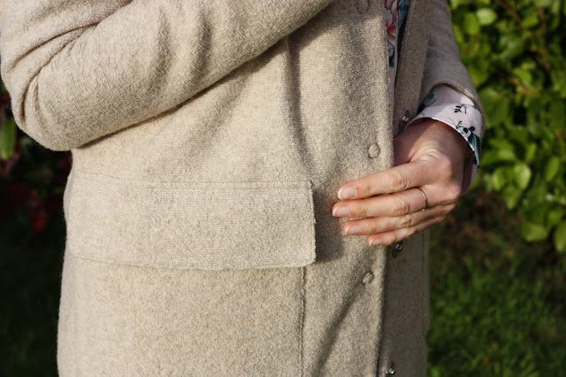 detail-manteau-gant