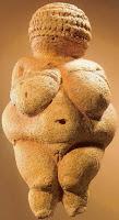 """Ídolo matriarcal de la Cultura Danubiana. Testimonio a la """"bucólica"""", """"pacífica"""" y """"armoniosa"""" cultura primitiva matriarcal."""