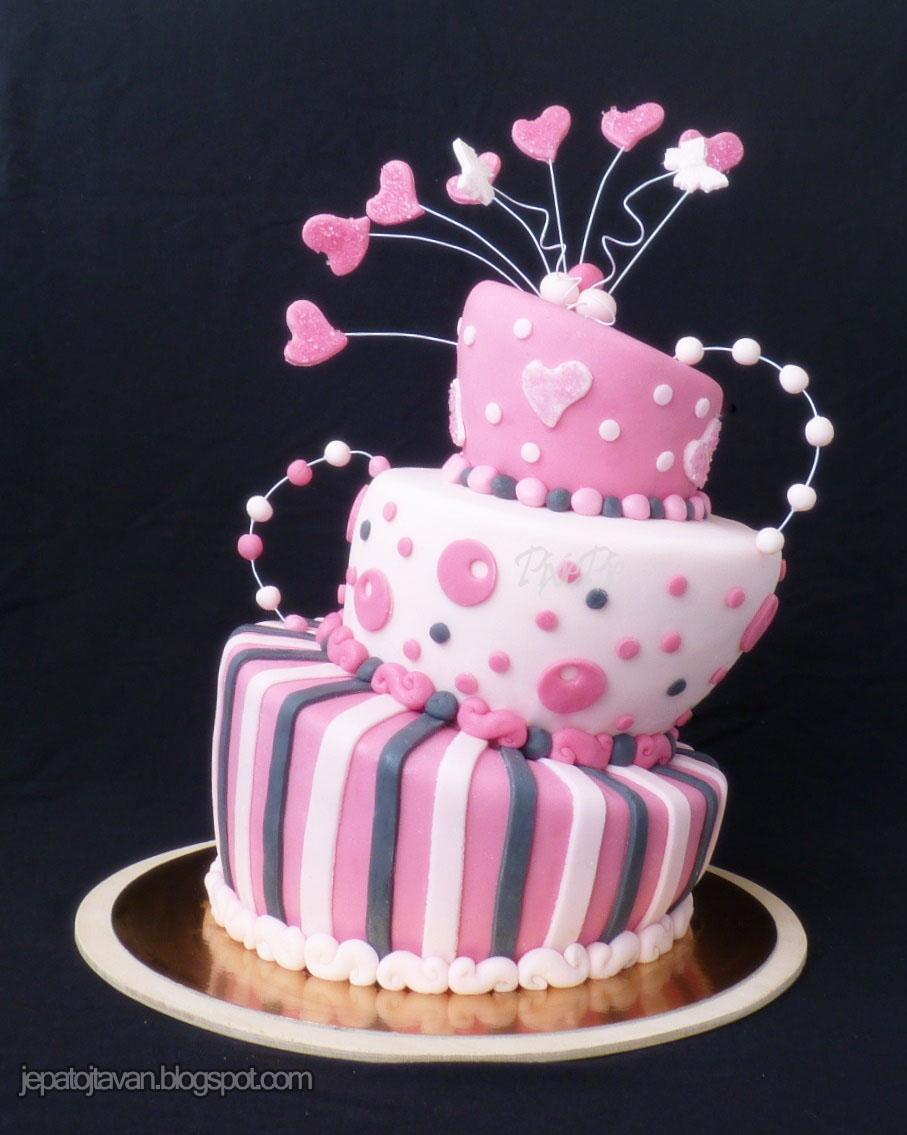 8bc0d1ab0d Régóta vártam már, hogy mi lesz ha egyszer ilyen feje tetejére állított,  úgynevezett topsy turvy tortát kell majd csinálnom. Igazából az én ötletem  volt, ...