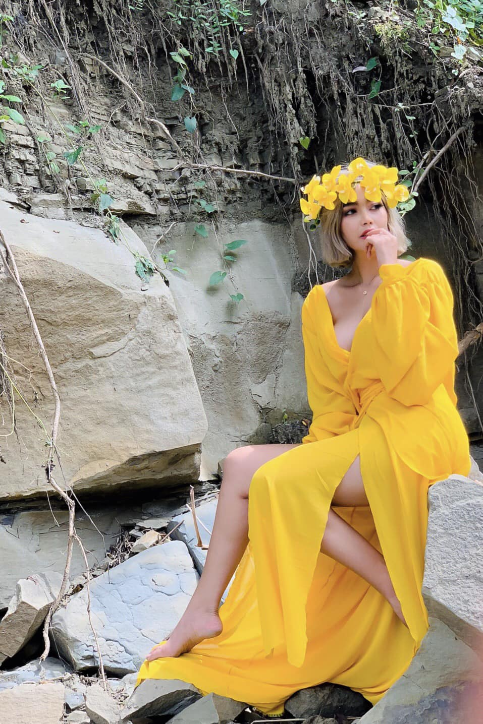Nwe Nwe Tun - A Beautiful Girl With Yellow Dress Fashion