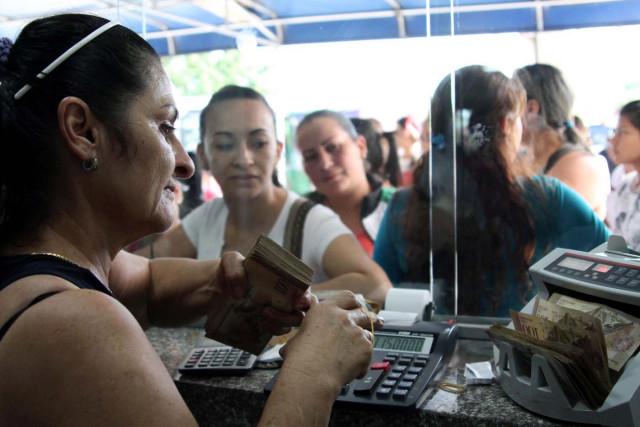 El bolívar se devalúa 98% y obliga al cierre de casas de cambio en Cúcuta