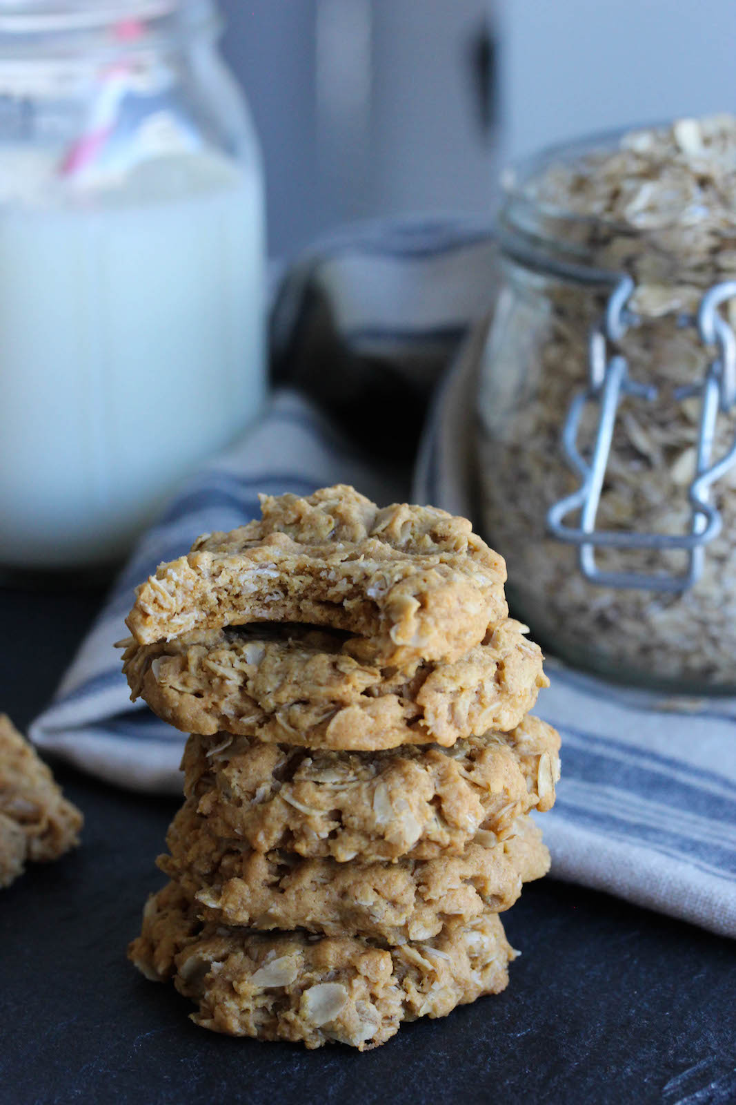 5 Ingredient Flourless Peanut Butter Oat Cookies