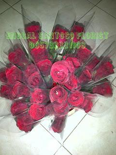 bunga mawar valentine tangkaian atau contongan