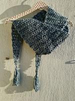 https://laventanaazul-susana.blogspot.com.es/2017/01/197-chal-baktus-azul-crochet.html