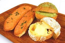 กินขนมปังสิวขึ้น