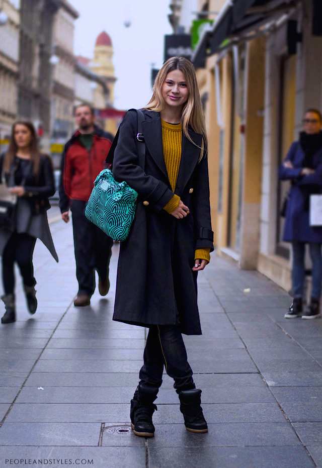 How to style tailored coat and wedge sneakers, photo by PEOPLEANDSTYLES.COM