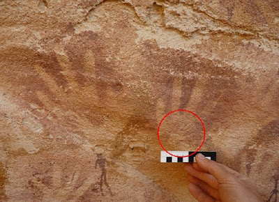 'Baby handprint' cave art made by lizards