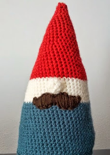 http://translate.google.es/translate?hl=es&sl=auto&tl=es&u=http%3A%2F%2Frickabamboo.com%2F2013%2F08%2Fcute-crochet-gnome%2F