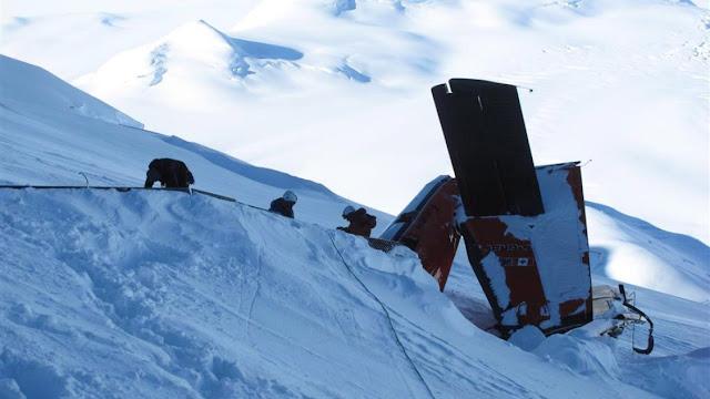 Um dos  aviões que se perderam enquanto sobrevoava a Antártida