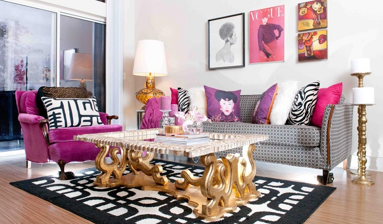 sala com decoração em rosa