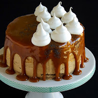 http://www.bakingsecrets.lt/2016/08/morengu-ir-aguonu-tortas-meringue-poppy.html