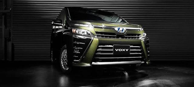 Cicilan Toyota Voxy 2017