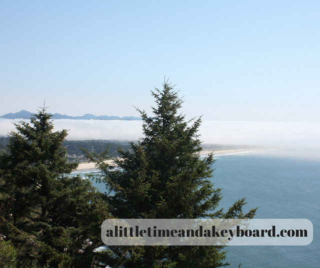 Majestic view of the Pacific Ocean from an overlook on US Route 101 in Oregon.