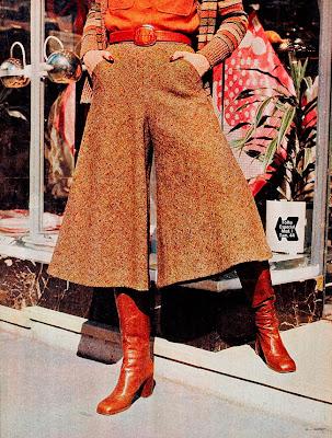 Moda anos 70. História década 70. moda feminina anos 70. coleção inverno revista Manequim - 1975