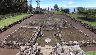 Sejarah dan Misteri Candi Cetho Karanganyar Lengkap + Gambar