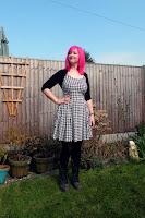 http://www.thediyfox.com/2016/03/houndstooth-lilou-dress.html