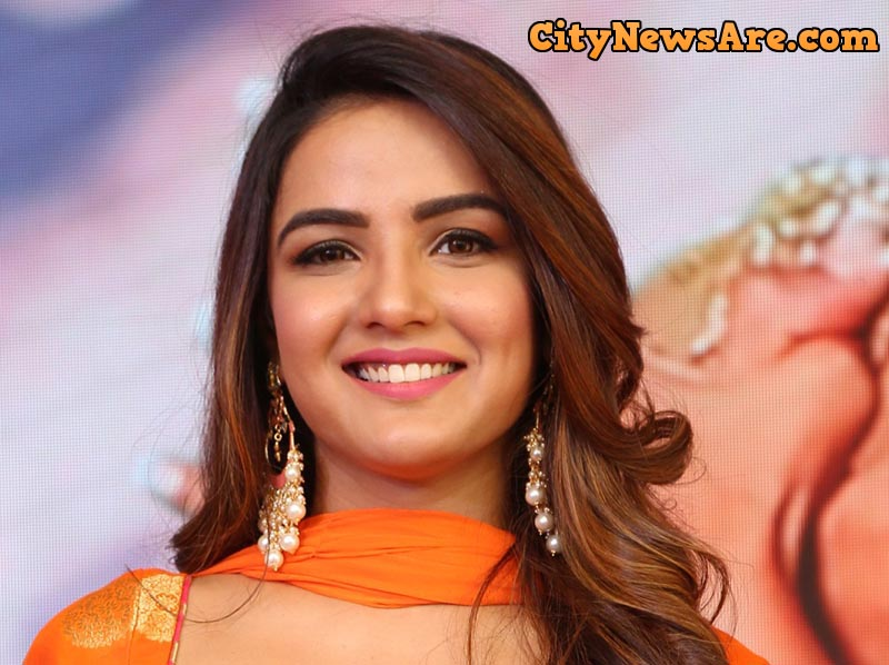 Jasmin Bhasin as Happy Mehra in Dil Toh Happy Hai Ji