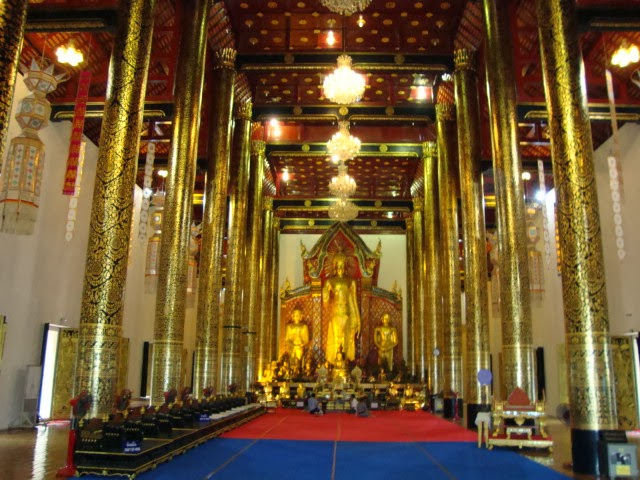 One of Chiang Mais many temples