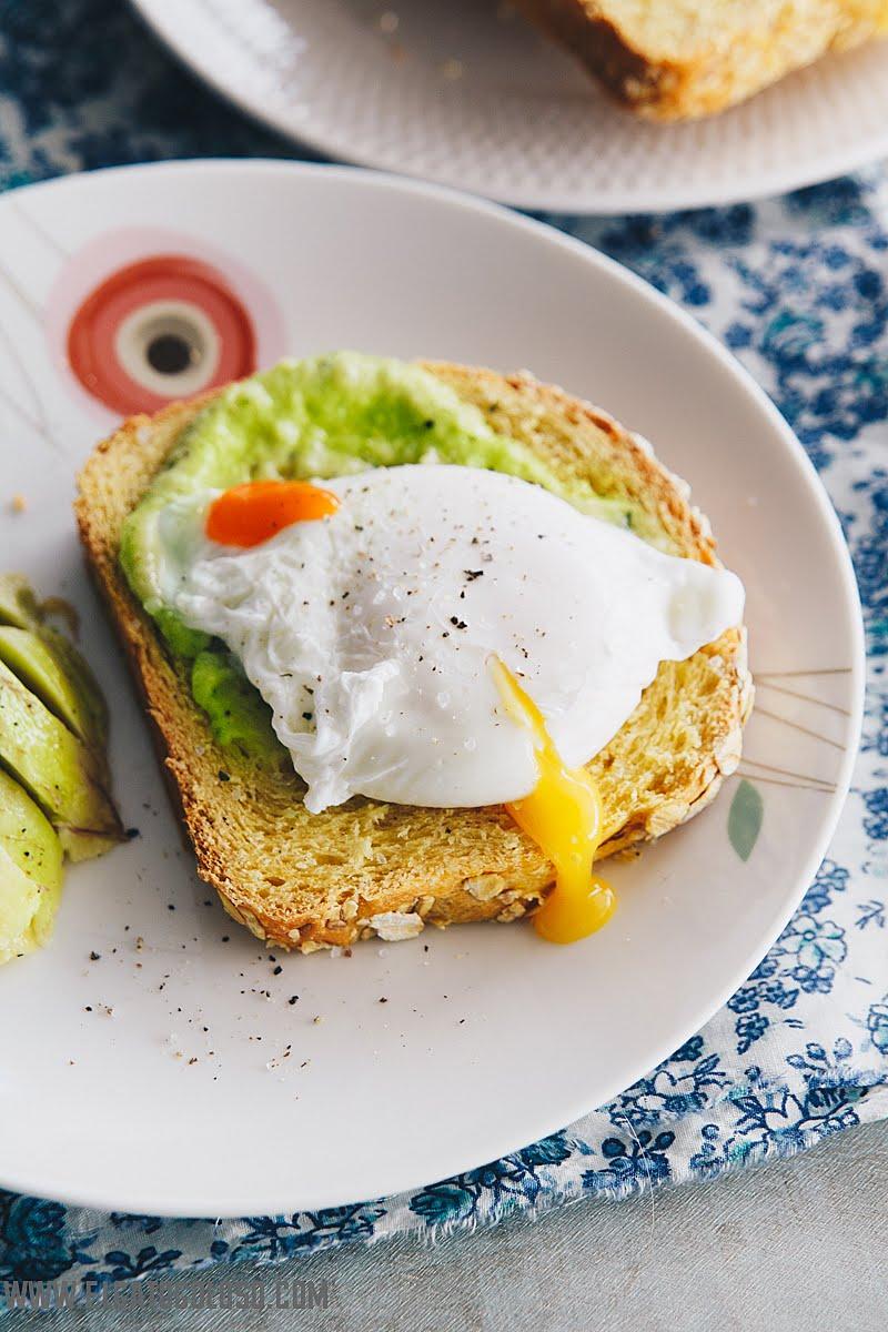 Basta de comer pan blanco, aprende a elaborar pan enriquecido con puré de vegetales, especias o semillas como este es un pan de batata (boniato). Desde www.elgatogoloso.com