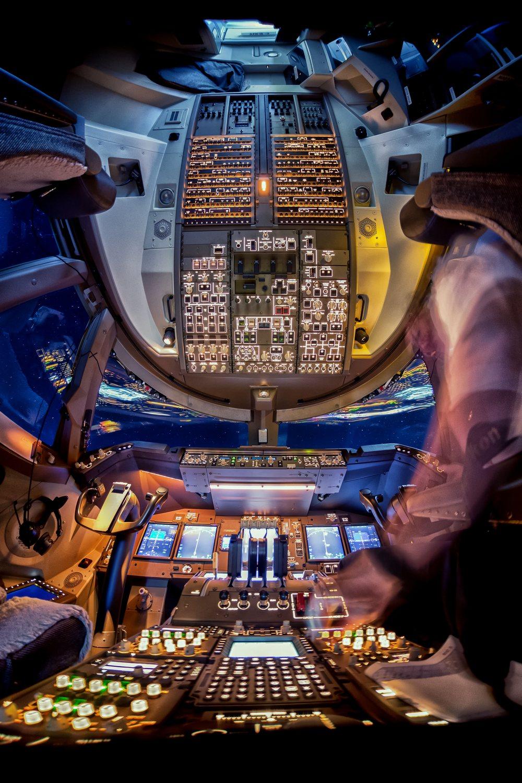 Вид из кабины пилотов (12 фото)