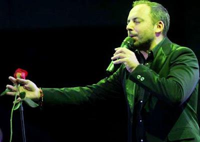 Foto de Marcos Llunas en el escenario