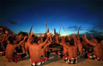 Wisata Religi Tari Kecak Bali