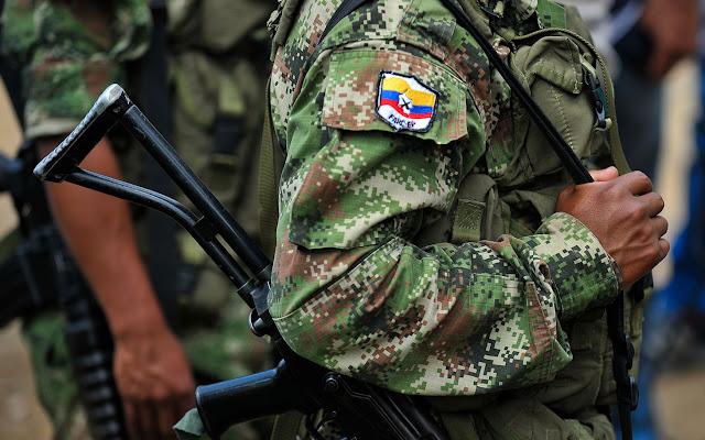 A guerra termina na Colômbia - MichellHilton.com