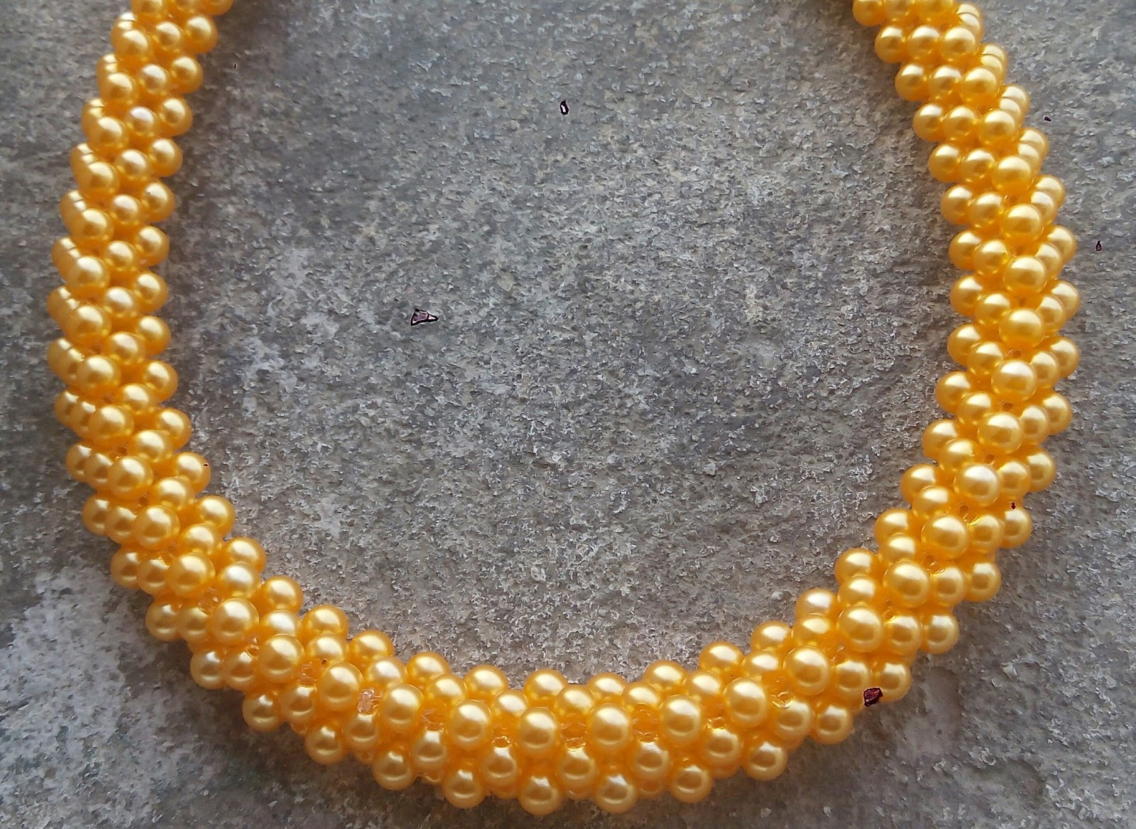 stones products img amber weave necklace