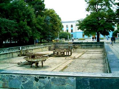 Фонтан в сквере Тренева в Симферополе