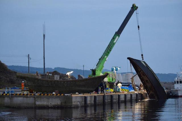 www.fertilmente.com.br - Com uma frota de navios pesqueiro artesanal e sem estrutura, a Coreia do Norte força sua frota a buscar pesca em mares mais afastados da costa sem fornecer suporte ou treinamento