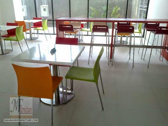 Projects Hotel Pop Bandara Cengkareng: Custom Furniture set Kursi Meja Area Makan Food Court Cafe Restoran