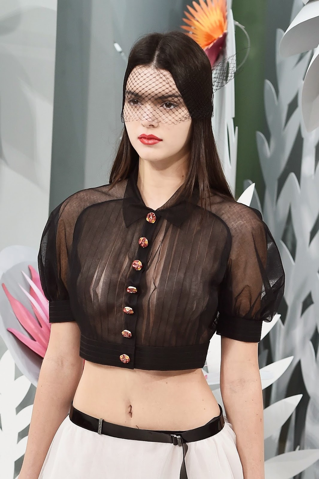 Beautifull Kendall Jenner Top At Chanel Fashion Show In Paris