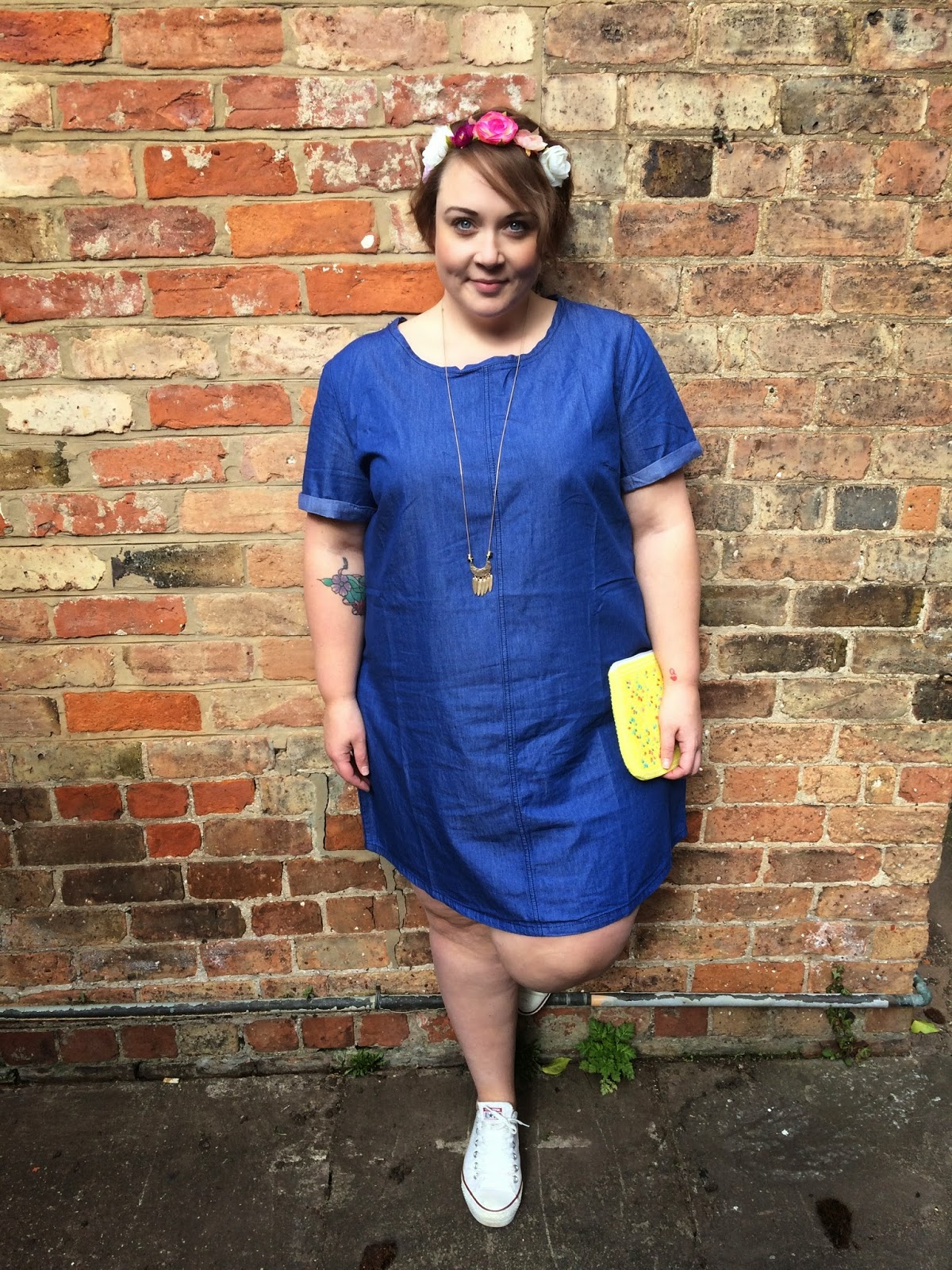 a59c17b23ab This denim tunic dress is just perfect for summer. It s a lightweight