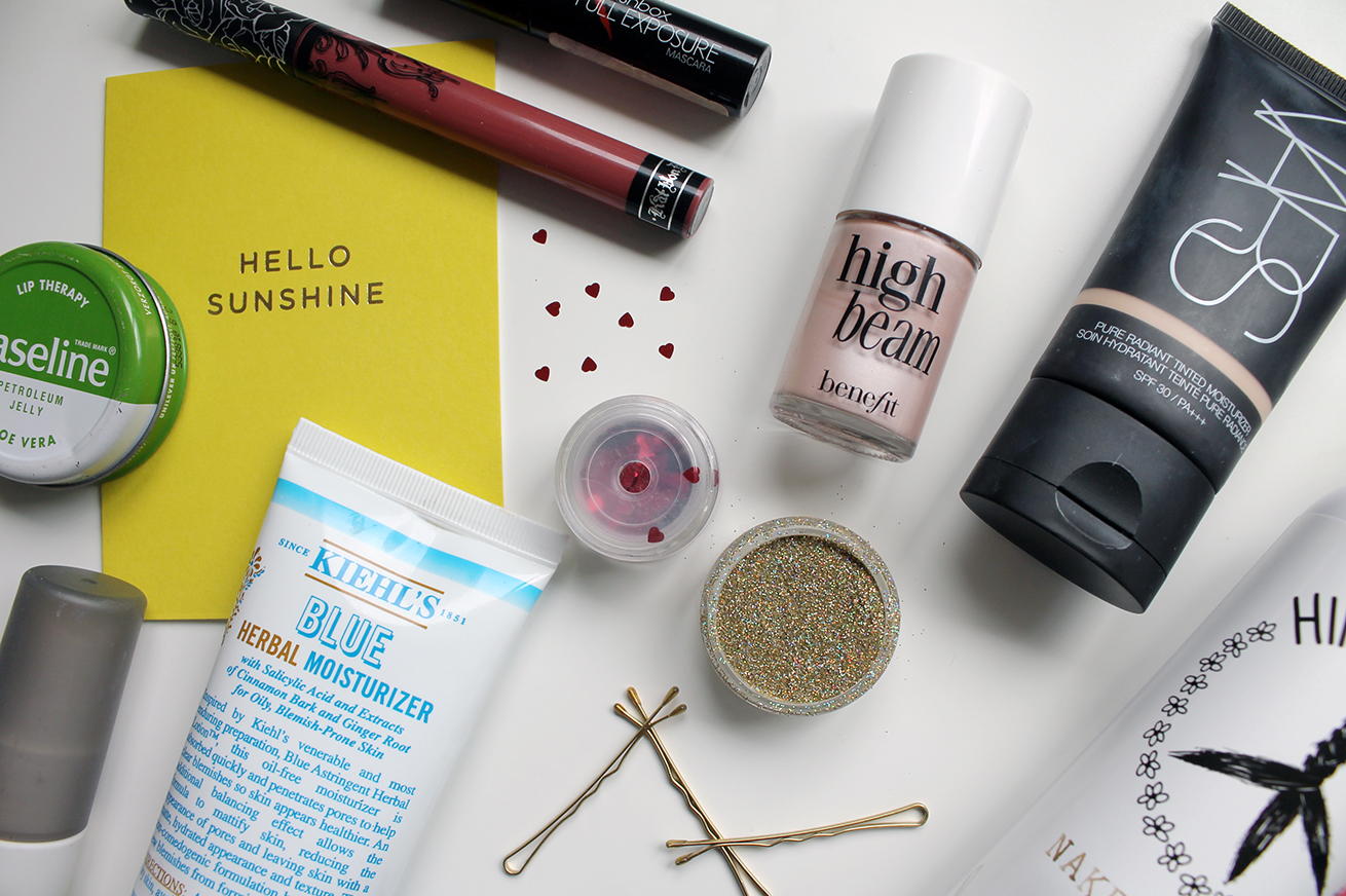 Festival beauty bits: what to pack to a festival, festival makeup, beauty essentials for festivals