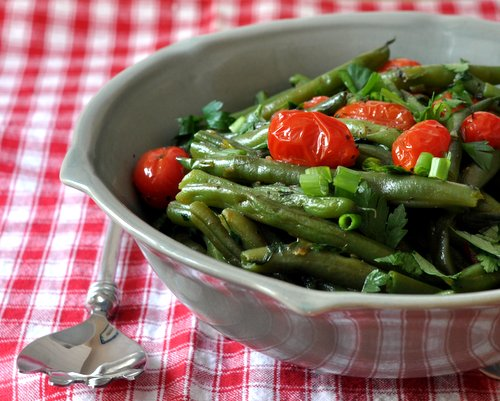 Healthy Red & Green Green-Bean Salad ♥ AVeggieVenture.com