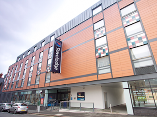 places to stay in birmingham travelodge central newhall street birmingham