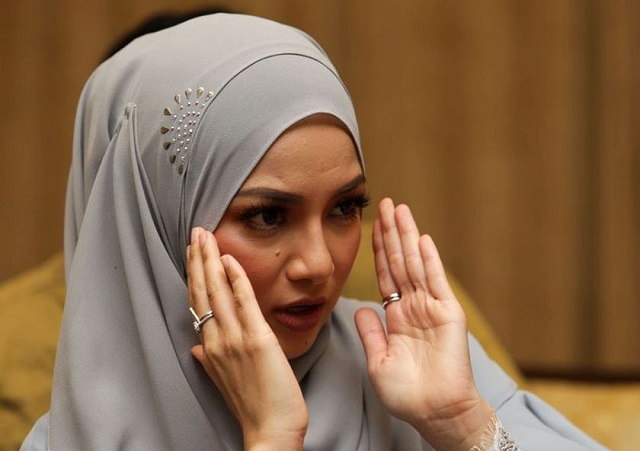 Neelofa Yakin Tudung Naelofar Hijab Ada Aksesori Sukar Diciplak