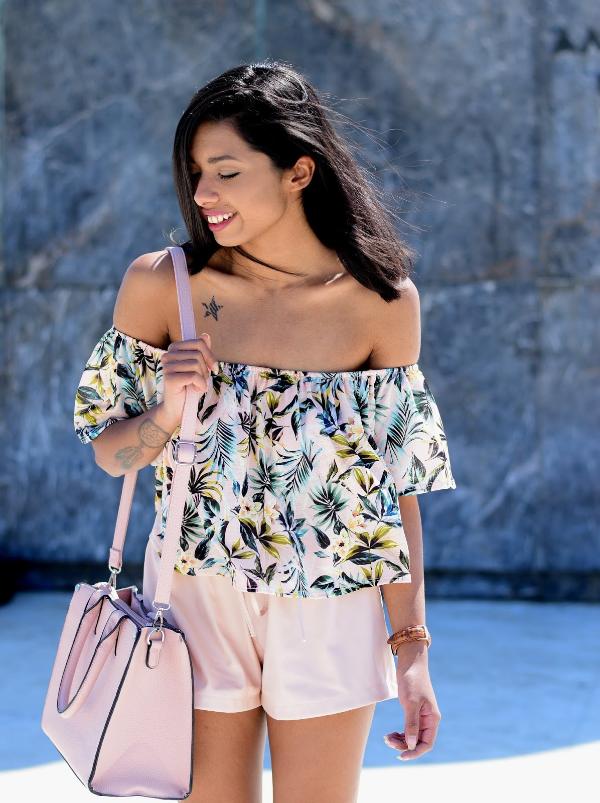 PALM PRINT RUFFLE top outfit ideas
