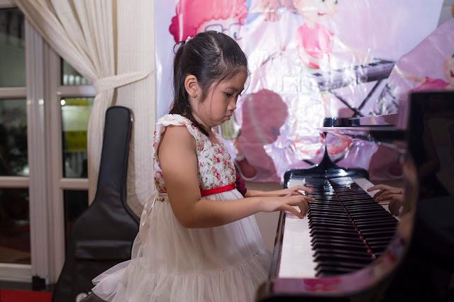 Tiết mục piano của bé Bảo Châu