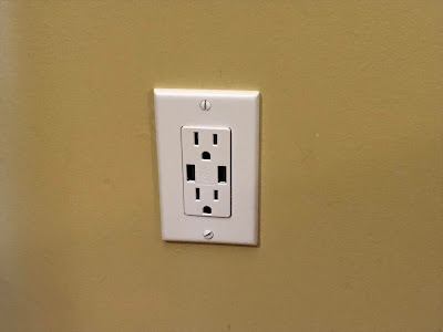 Wall Outlet with built in USB Charger