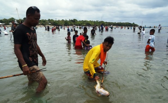 6 The Traditions of Maluku Community That Became Tourism Attraction