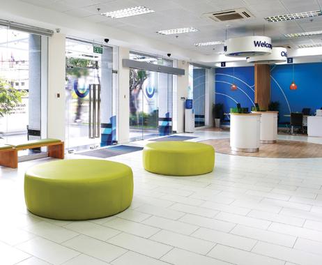 Thiết kế nội thất văn phòng giao dịch với không gian chờ hiện đại