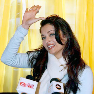 Aishwarya Rai Talking To Media