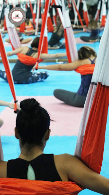 yoga, aeroyoga, puerto rico, yoga aerea, yoga aereo, aerial, aerien, air, aire, fly, flying, teacher training, gravity, suspension, anti, age, cursos, formacion, salud, bienestar, wellness, ejercicio, deporte